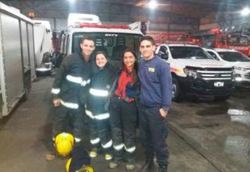 Cuatro Bomberos le salvaron la vida a un bebé de 14 días