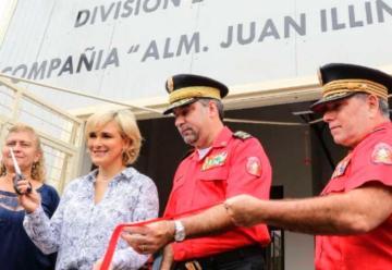Bomberos inauguran nueva unidad para atender emergencias