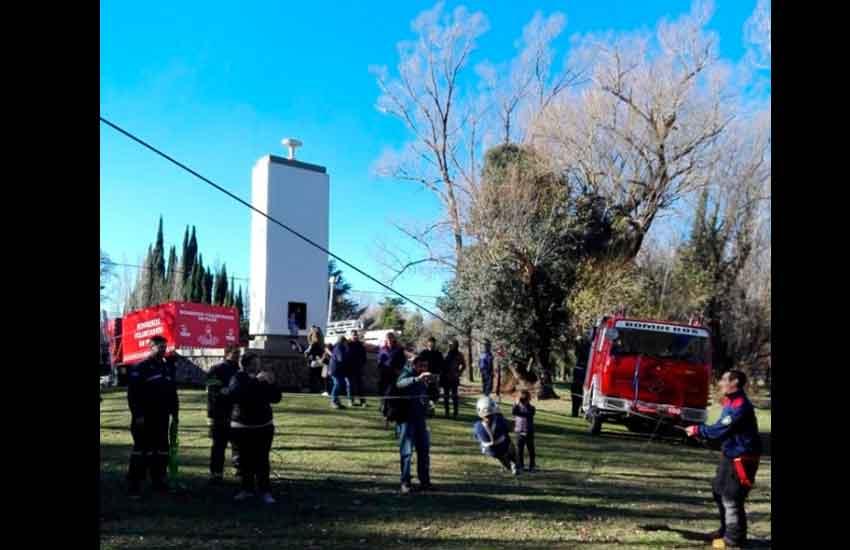 Bomberos Voluntarios de Pigüé celebran su aniversario con una exhibición