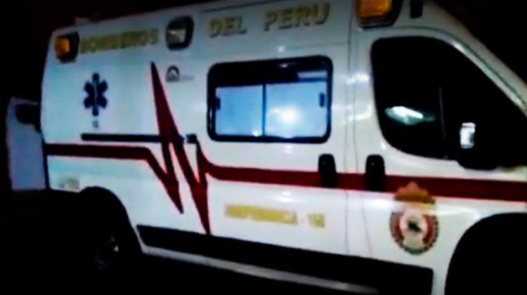 Bomberos llevan herido a hospital y no les devuelven la camilla