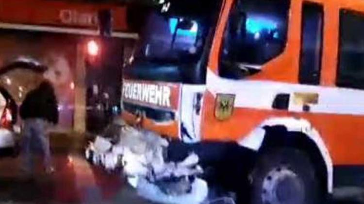 Carro de bomberos choca con una camioneta en Puerto Montt