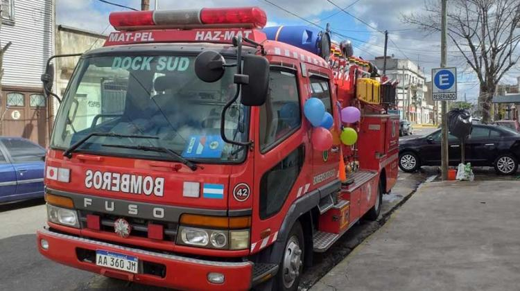 Bomberos de Dock Sud Festejaron el Día del Niño