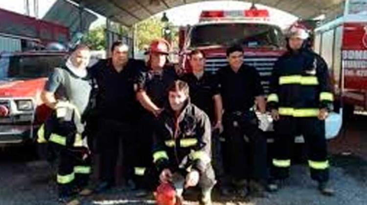 Apedrearon a bomberos voluntarios de Santa Lucia
