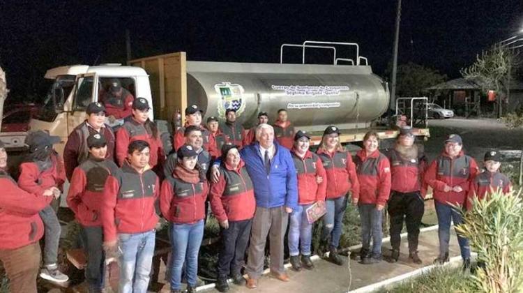 Municipalidad entregó camión aljibe a Bomberos de Quella