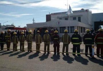 Bomberos de Dalmacio Vélez presentan su cuartel