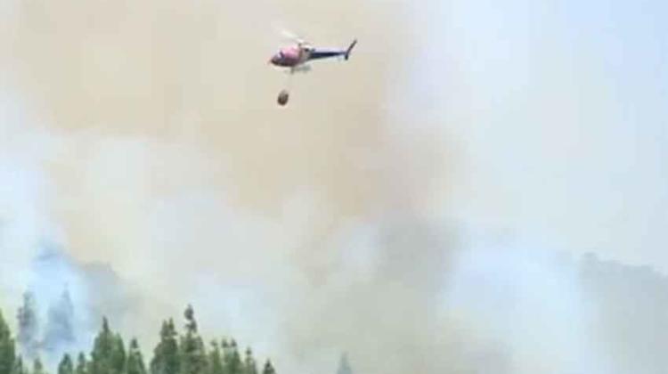 Dos bomberos heridos y más de mil hectáreas calcinadas