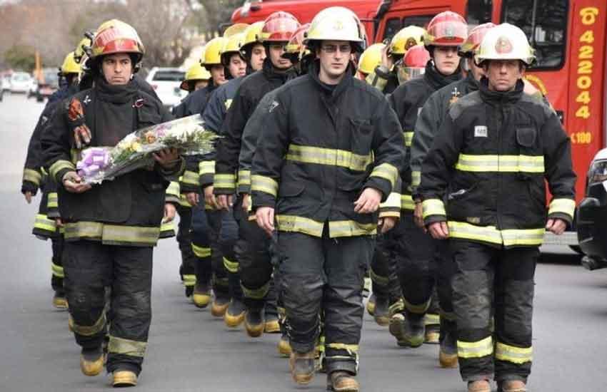 Homenaje a los bomberos caídos en General Pico a 20 años de la tragedia