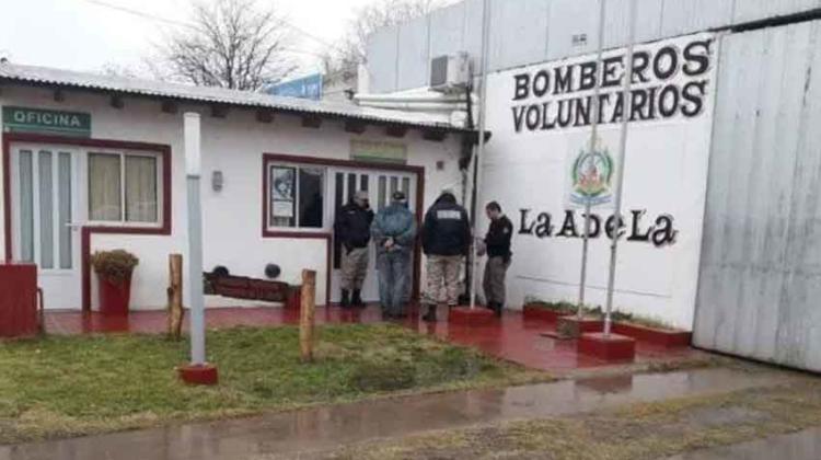 Defensa Civil le devolvió la operatividad a Bomberos de La Adela