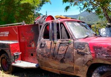 Camión de Bomberos se prendió fuego mientras atendía incendio