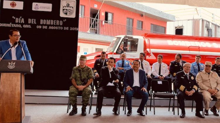 Entregan unidad cisterna a Bomberos de San Juan del Río