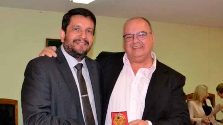 Jefe de Bomberos recibió reconocimiento por sus años de servicio
