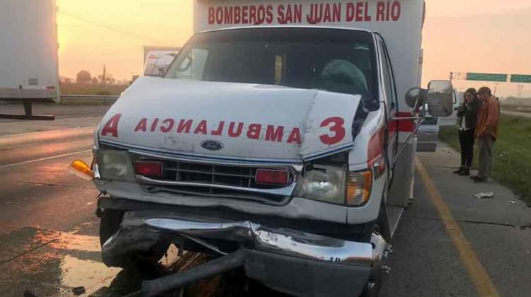 Se accidentan 2 unidades de Bomberos Voluntarios de SJR