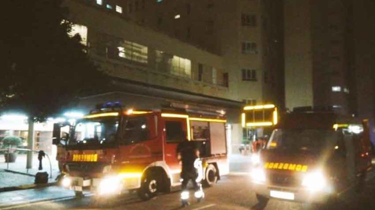 Dos bomberos heridos en un incendio de un Hospital