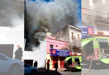 Incendio en depósito de ropa de un local benéfico