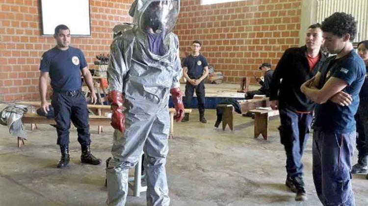Bomberos se entrenaron en materiales peligrosos