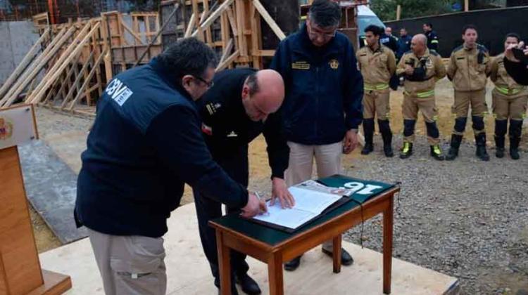 Bomberos de Valparaíso contarán con nuevo cuartel