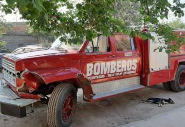 Camión de bomberos atropelló a un motociclista