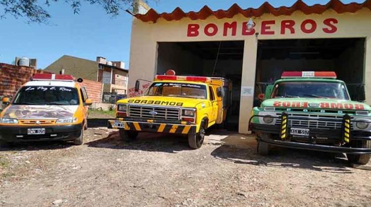 Presentación del nuevo autobomba de los Bomberos de La Paz