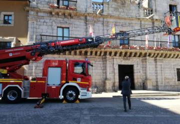 Bomberos de Ponferrada estrena nuevo camión escala
