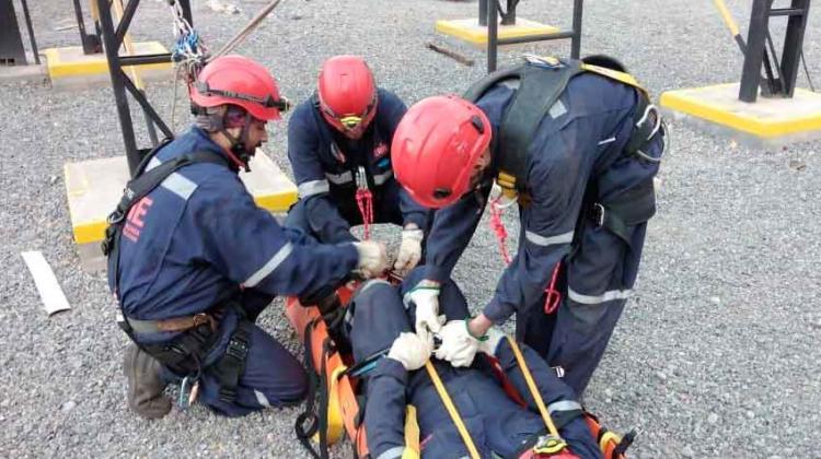 Bomberos y Carabineros aprueban curso de Rescate minero