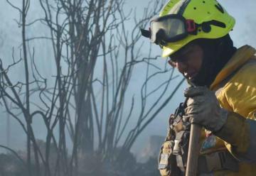 Muere voluntario en el incendio forestal de Tunari