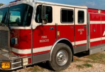 Compra un camión de bomberos y lo dona a Jalpa