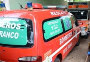 Subió a la ambulancia de bomberos para hurtar equipos