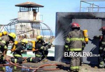 Una militar sufrió quemaduras en el practica de bomberos