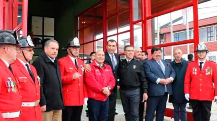 El cuerpo de Bomberos de Castro inauguran nuevo cuartel
