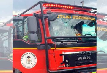 Violenta agresión al personal de bomberos de Quito