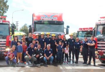 Bomberos Voluntarios de Centenario presentaron el móvil 29
