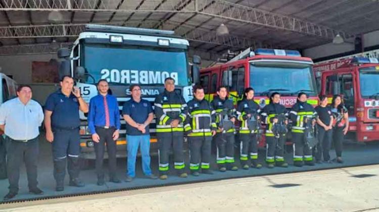 Bomberos presentaron equipamientos enviados desde Bélgica