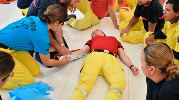 Franceses capacitan a bomberos de Misiones e Itapúa