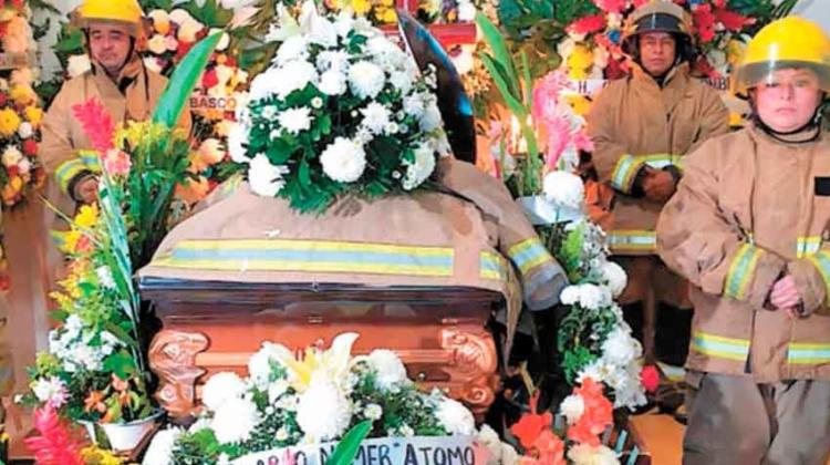 Velan a Bombero fallecido en incendio en Tabasco