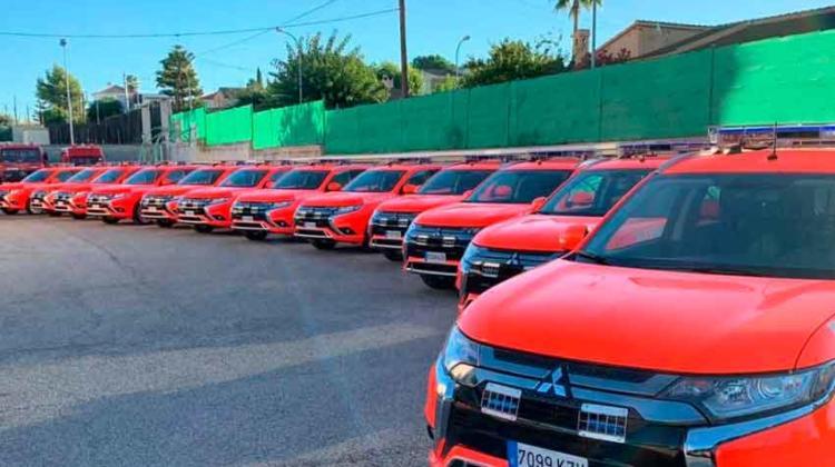 Bomberos valencianos estrenan 14 Mitsubishi Outlander PHEV