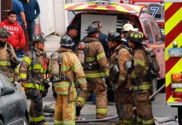 Se lesiona bombero al combatir incendio