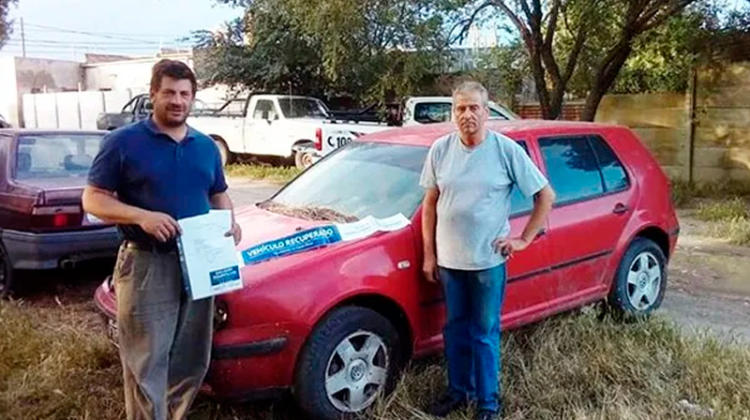 La justicia entrego un vehiculo a Bomberos Voluntarios de Jacinto Arauz