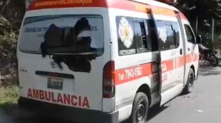 Atacan ambulancia de Bomberos cuando trasladaba herido