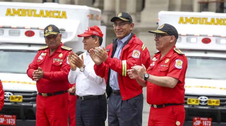 Entregan unidades para reforzar labor de los bomberos