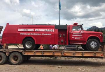 Bomberos Voluntarios de Meliquina donaron autobomba