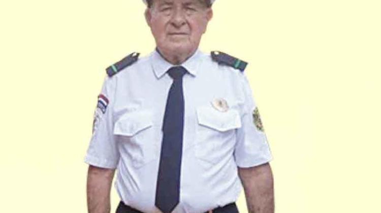 Juró como Bombero Voluntario a sus 80 años