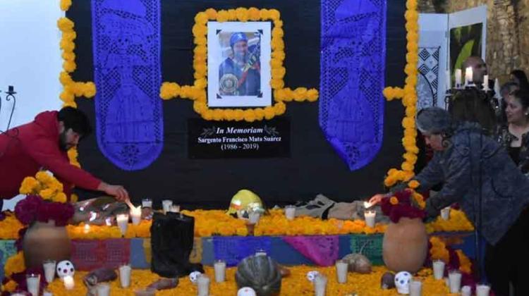 Rememoran a sargento de Bomberos fallecido