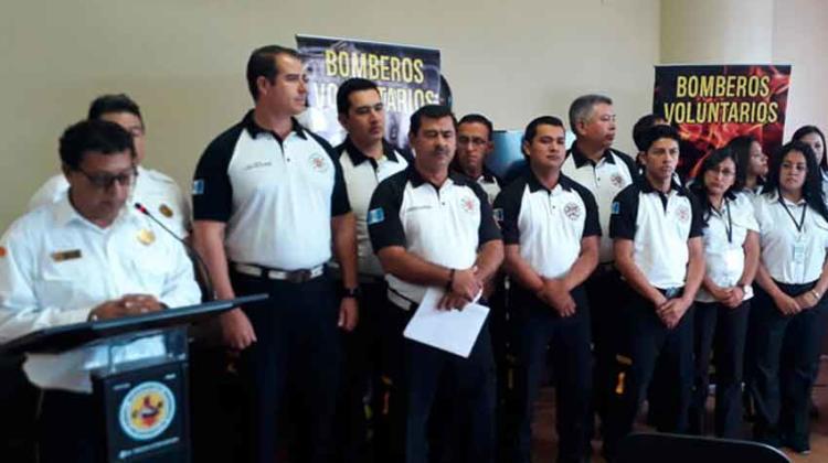 Bomberos Voluntarios usarán nuevo uniforme
