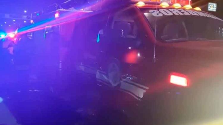 Una camioneta colisionó contra un carro de bomberos