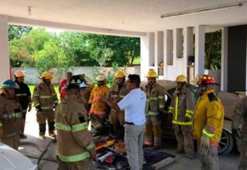 Cuerpo de Bomberos Recibe donativo en equipo especial
