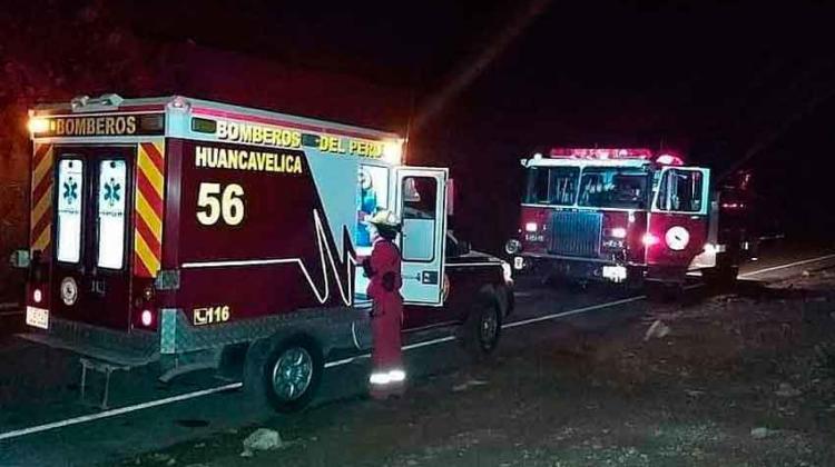 Bomberos en Perú sin carros para atender emergencias