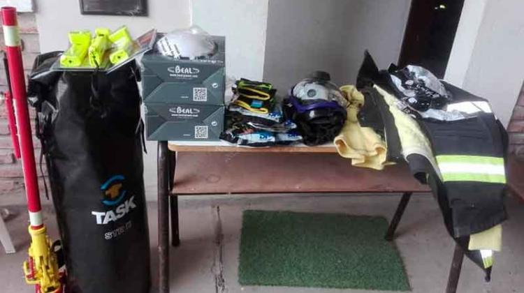 Bomberos Hasenkamp adquirió materiales