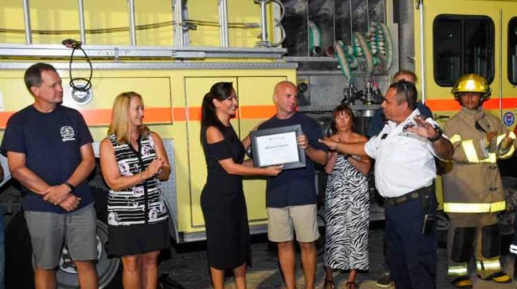 Puerto Morelos recibió carro-bomba donado por bomberos canadienses