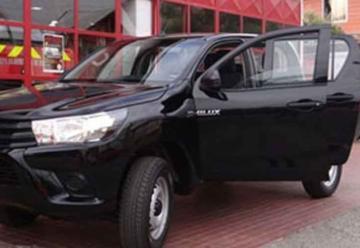 Bomberos de Hualañé cuenta con nueva camioneta