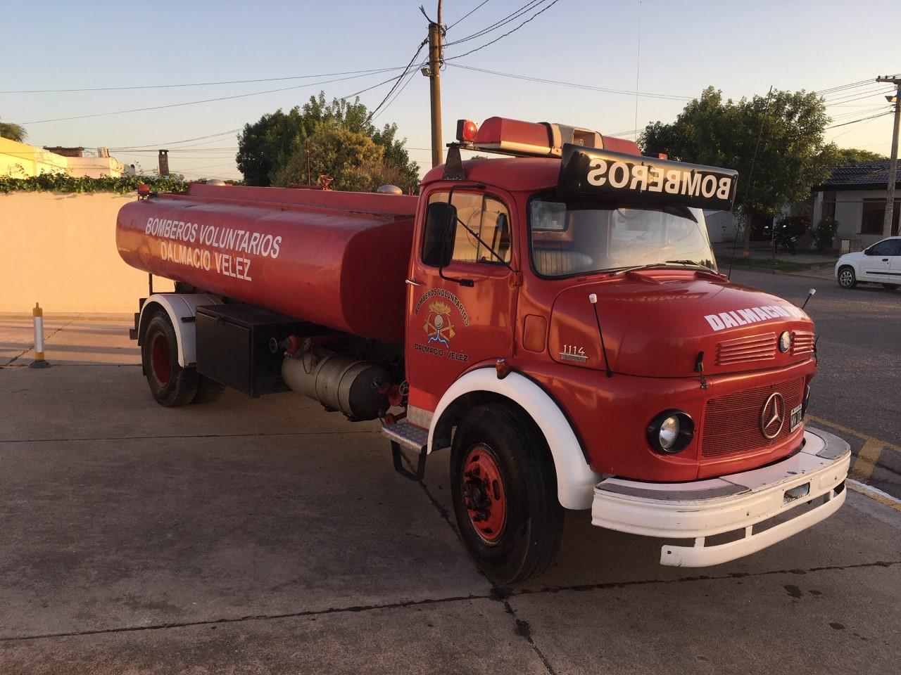 Venta de camión cisterna - Mercedes Benz